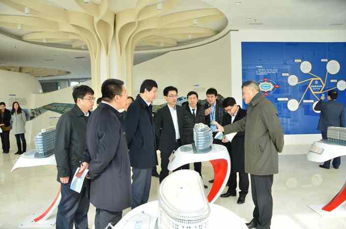 青岛高新区投资促进局副局长,蓝色生物医药事业部部长陈勇杰,招商公司